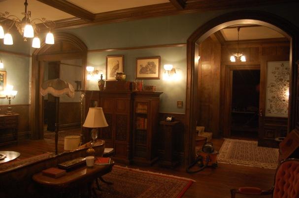 Bates Mansion, Front Parlour